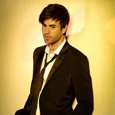 Enrique Iglesias, Hero, Easy Piano, sheet music, piano notes, chords, song, artist, awards, billboard, mtv, vh1, tour, single, album, release