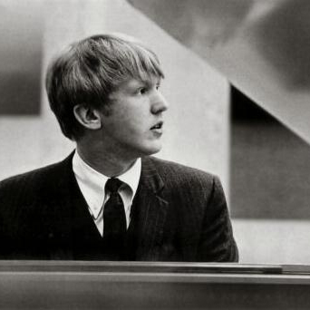 Harry Nilsson, Over The Rainbow, Piano, Vocal & Guitar (Right-Hand Melody)