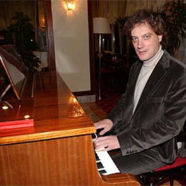 Tonci Huljic, Victory, Piano